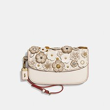 Image of Coach Australia OL/CHALK CLUTCH WITH SMALL TEA ROSE