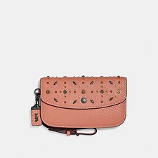 Image of Coach Australia BP/DARK BLUSH CLUTCH WITH PRAIRIE RIVETS