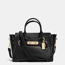 Picture of Coach Swagger  27 Carryall In Pebble Leather