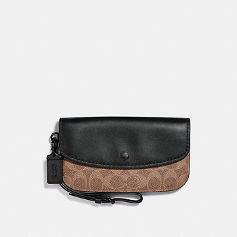 Image of Coach Australia  CLUTCH IN COLORBLOCK SIGNATURE CANVAS