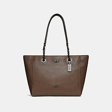 Picture of TURNLOCK CHAIN TOTE IN POLISHED PEBBLE LEATHER