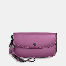 Picture of CLUTCH IN GLOVETANNED LEATHER