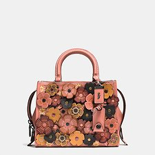 Picture of TEA ROSE APPLIQUE ROGUE BAG 25 IN GLOVETANNED PEBBLE LEATHER